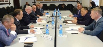 Новый руководитель «Сибмоста» встретился с главой Тувы