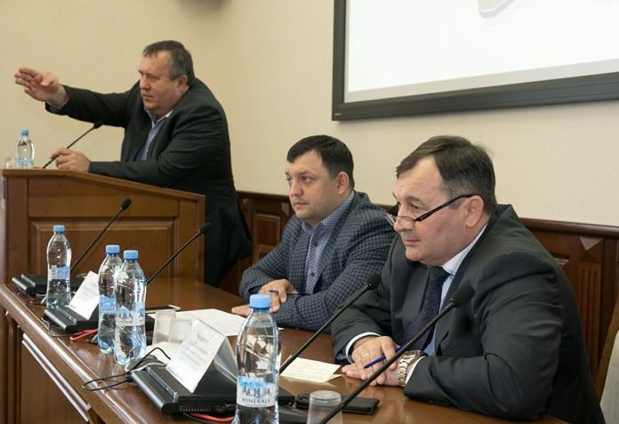 обсудили проект строительства ледовой арены в Новосибирске