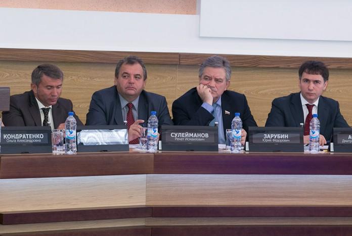 На фото справа налево Дмитрий Асанцев, Юрий Зарубин, Ренат Сулеманов, Евгений Яковенко