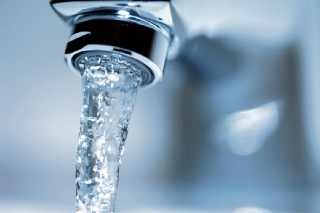 Горячую воду начали подавать вдома наулице Сухарной