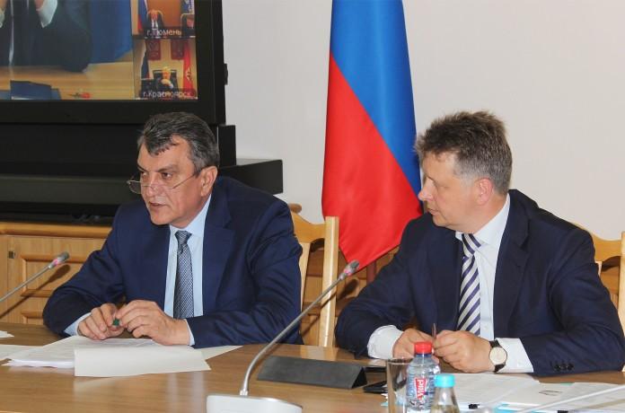 Полпред Президента РФ в СФО Сергей Меняйло и Министр транспорта Максим Соколов провели совещание о ходе реализации программы
