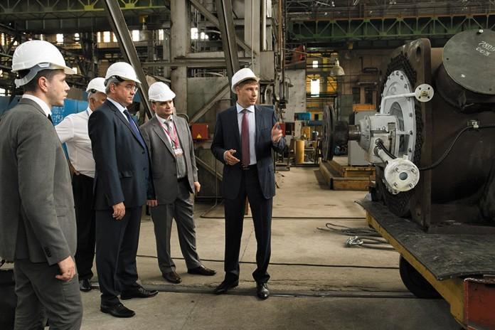 Миниатюра для: Заместитель главы Минпромторга РФ  побывал с рабочим визитом на НПО «ЭЛСИБ» ПАО