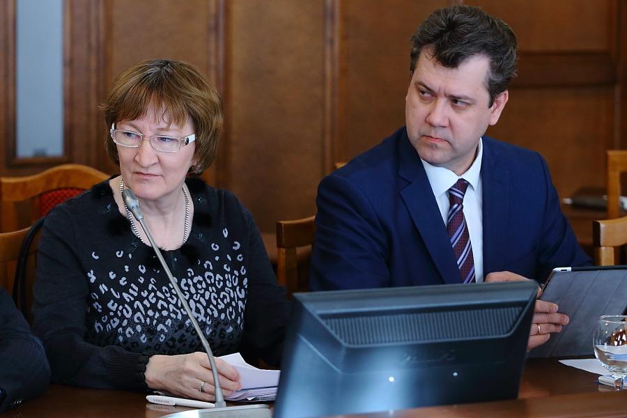 Министр финансов и налоговой политики Новосибирской области Виталий Голубенко и министр экономического развития Ольга Молчанова