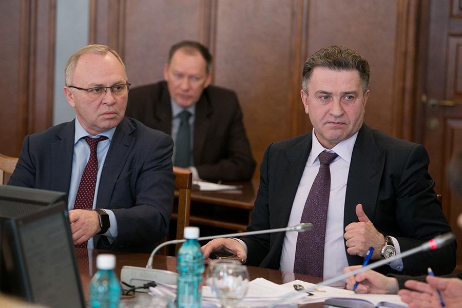 Владимир Знатков и спикер ЗС Андрей Шимкив (слева направо)
