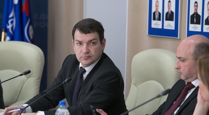 Инициатива депутата ГД РФ Максима Кудрявцева (на фото слева) не нашла понимания у коллег по сибирскому телекоммуникационному рынку