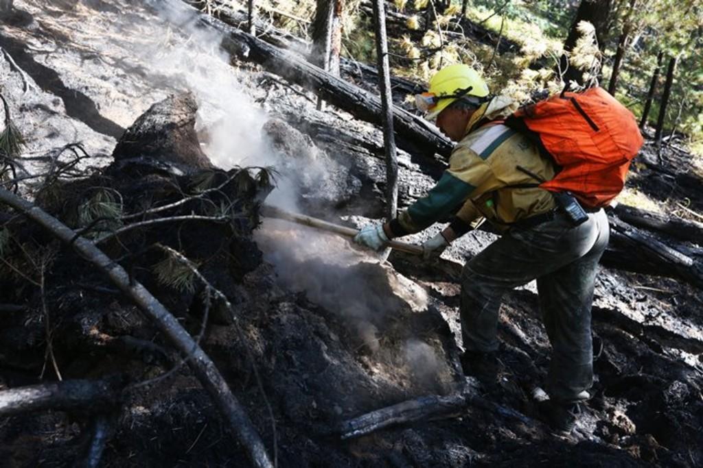 В Иркутской области и Бурятии сохраняется сложная лесопожарная обстановка