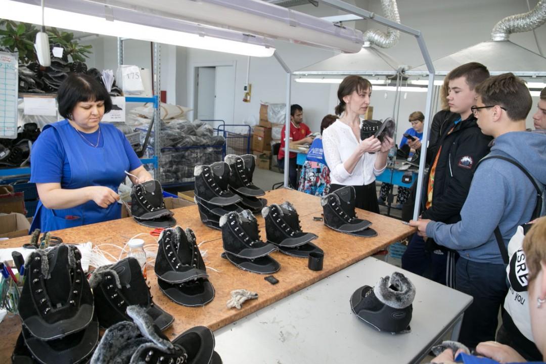 Работа на производстве отличается от многих других сфер тем, что здесь можно сразу увидеть результат своего труда, и даже потрогать его руками.