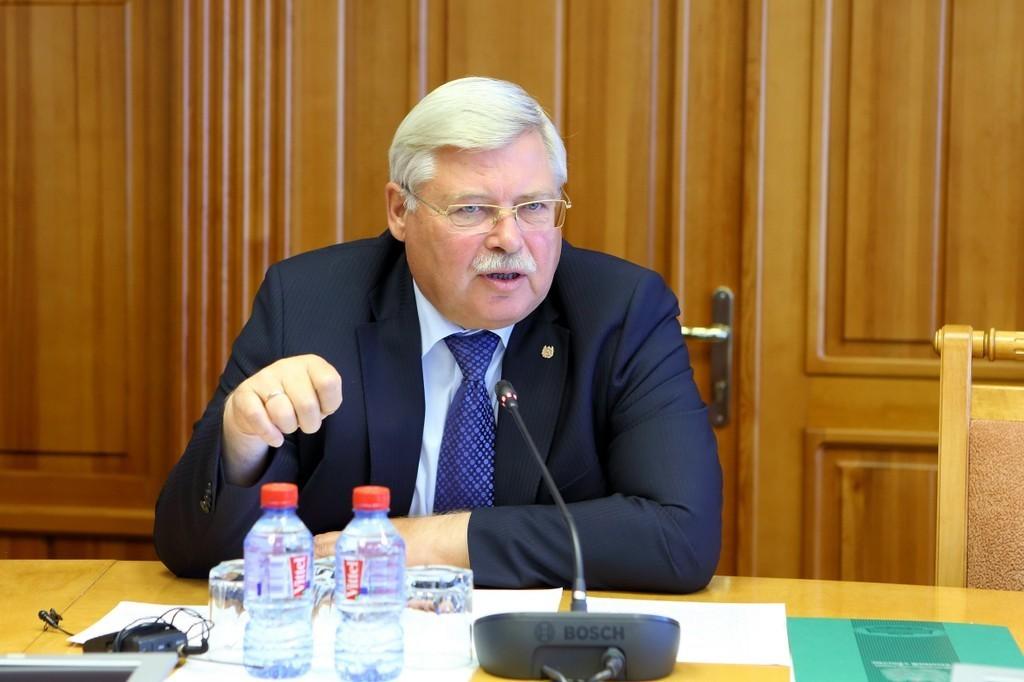 Сергей Жвачкин выступил засохранение муниципального фильтра навыборах