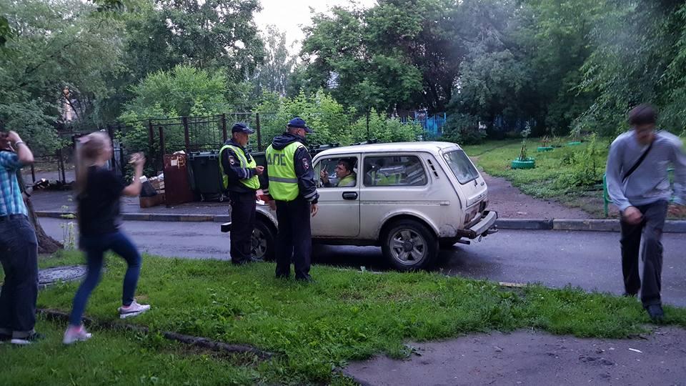 ВНовосибирске штаб Навального сутра оцепила милиция