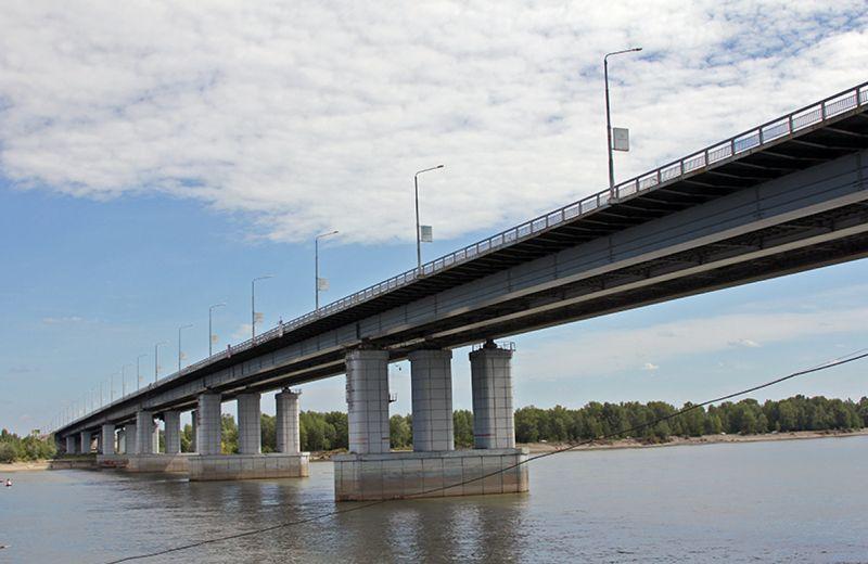 Новый мост вБарнауле покрасят за200 млн руб.