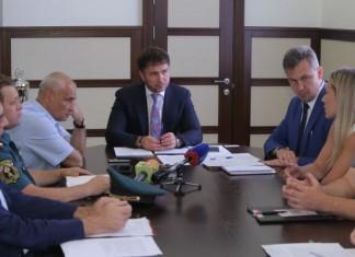 Спикер совета депутатов Новосибирска Дмитрий Асанцев предложил организовать проверку мест отдыха детей на предмет исправности пожарных сигнализаций.
