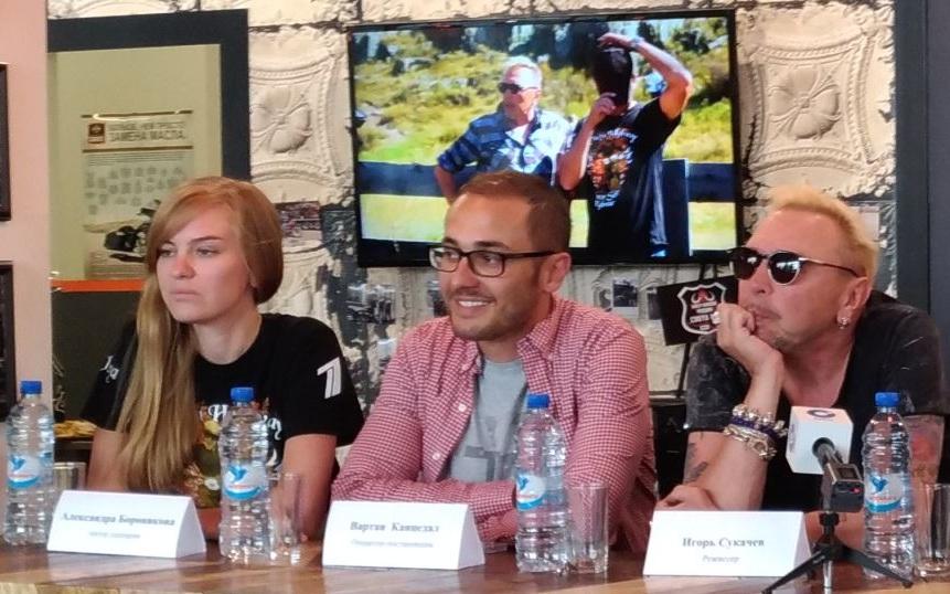 Гарик Сукачев (справа) на презентации фильма в Новосибирске
