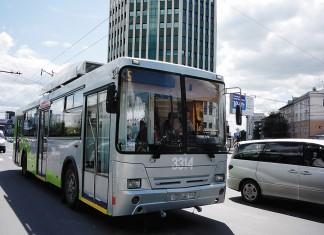 По мнению экспертов, у действующей программы по модернизации  трамвайного парка больше шансов на успешную реализацию,  чем у канувшей в лету муниципальной программы «Сибирский троллейбус». На фото - продукция «Сибирского троллейбуса» на улицах Новосибирска