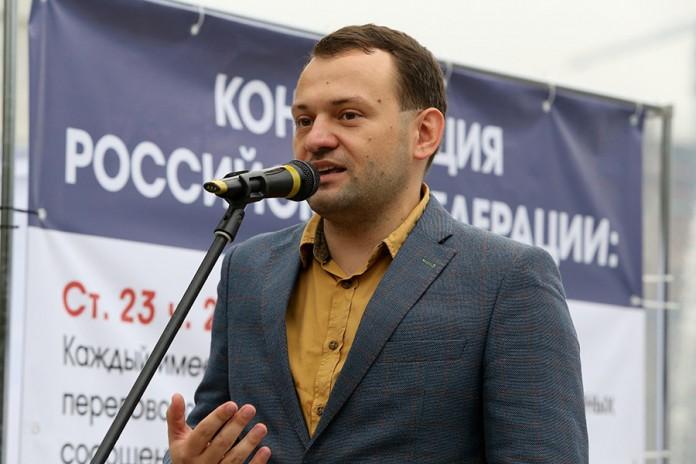 Руководитель Новосибирского штаба Алексея Навального Сергей Бойко отметил, что все последние законопроекты в сфере интернета являются следствием принятия пакета Яровой