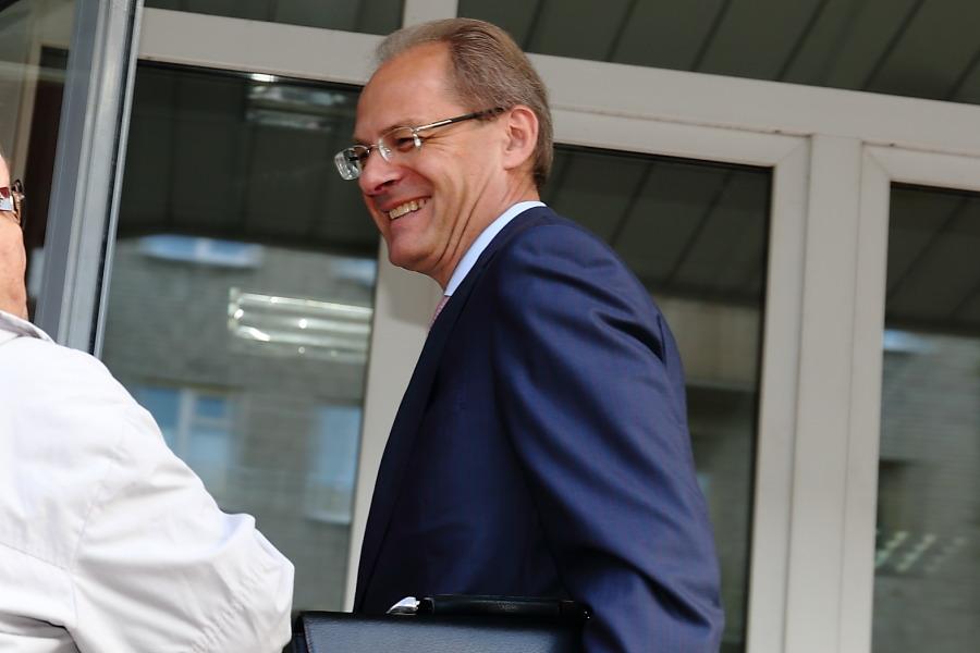 Генпрокуратура потребовала взять Юрченко под стражу взале суда
