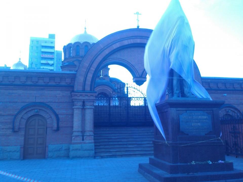 ВНовосибирске «фанаты» Сталина предлагают снести монумент  НиколаюII