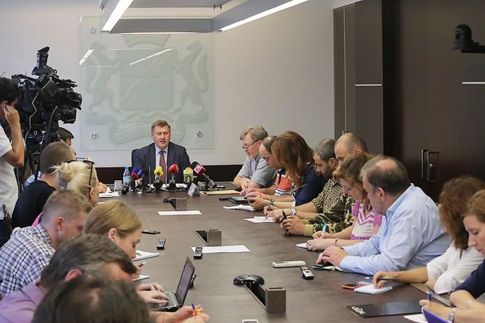Мэрия Новосибирска планирует очистить город от избыточной рекламы