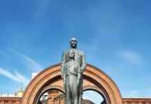 Памятник Николаю II в Новосибирске