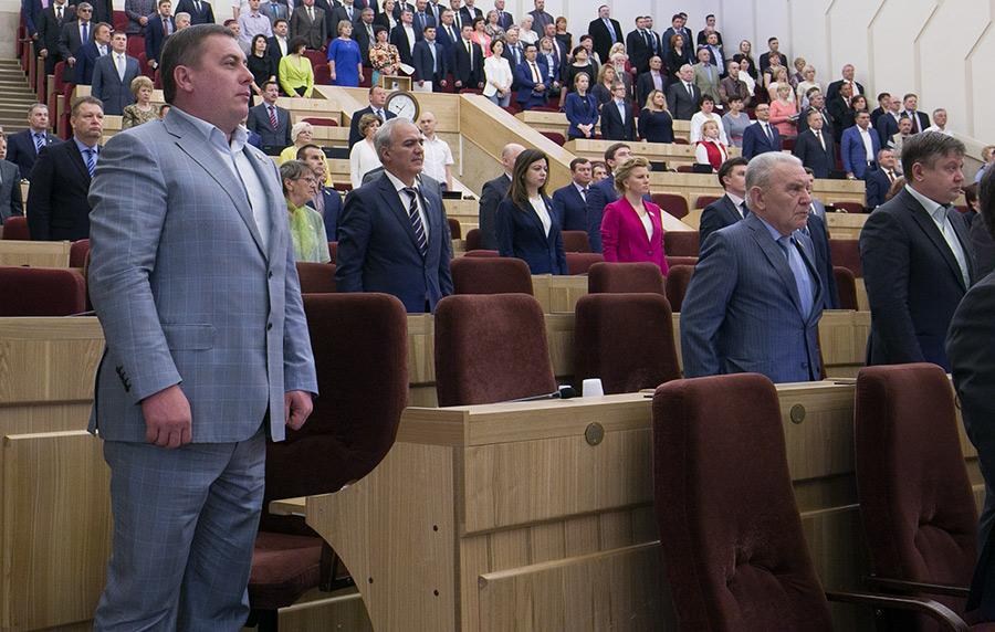 депутат ЗС региона и директор ЗАО «Сельхозпредприятие Ярковское» Глеб Поповцев