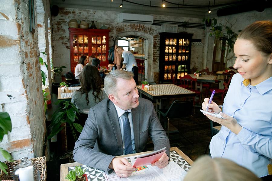 Сергей Скопцов в изакая-бар «Жан Хуан Лу»