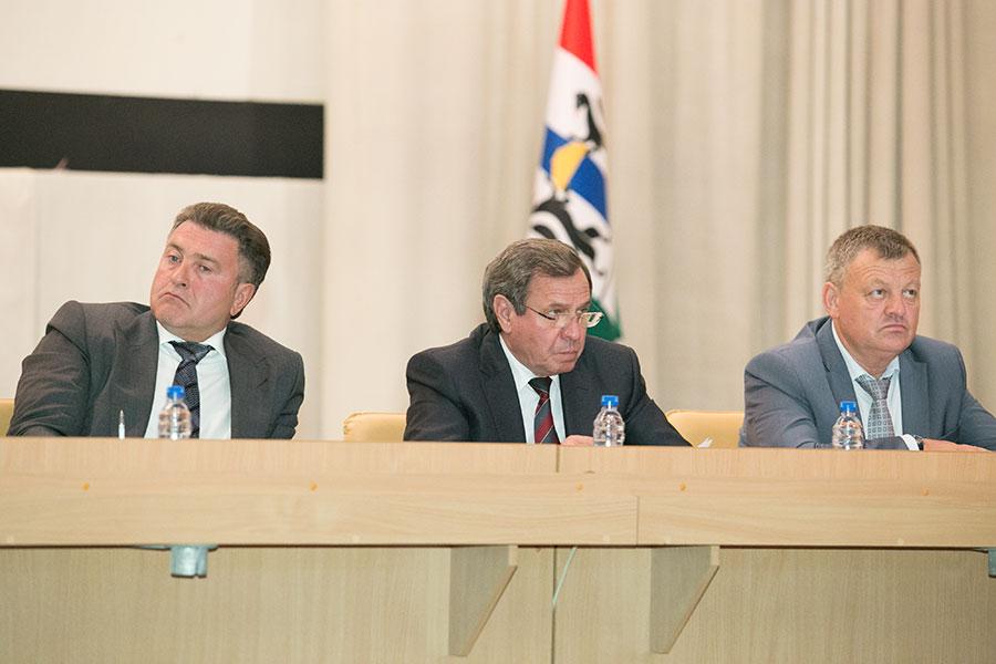 Почему в Новосибирской области сменился губернатор