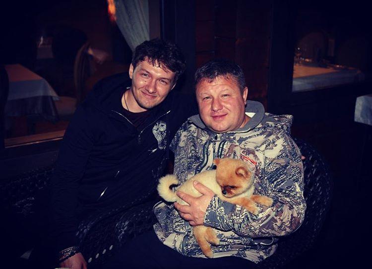 Максим (слева) и Анатолий Банных (справа).