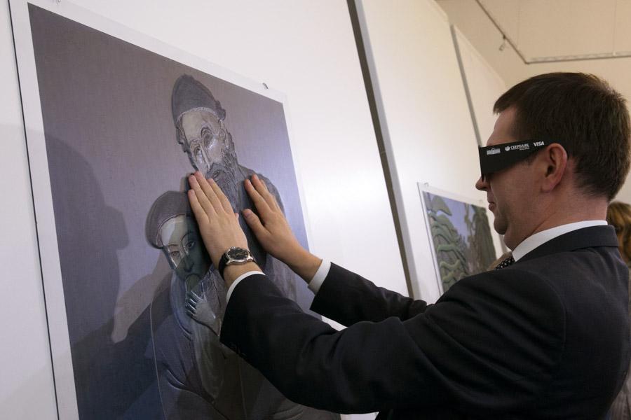 В Новосибирске показали картины, которые трогают