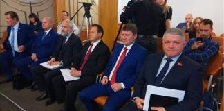 Потеряет ли Эдхам Акбулатов кресло мэра Красноярска?