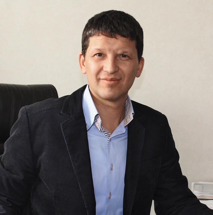 Илья Серов