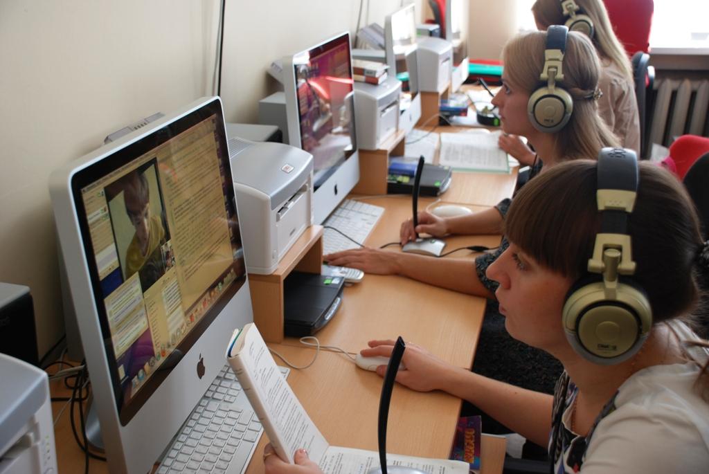 Конкуренция между операторами идет в том числе и по направлению колл-центров