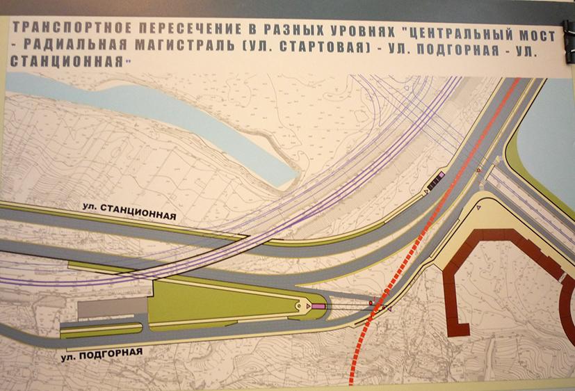 В техническом задании к проекту была предусмотрена проработка линии трамвая (красная пунктирная линия)
