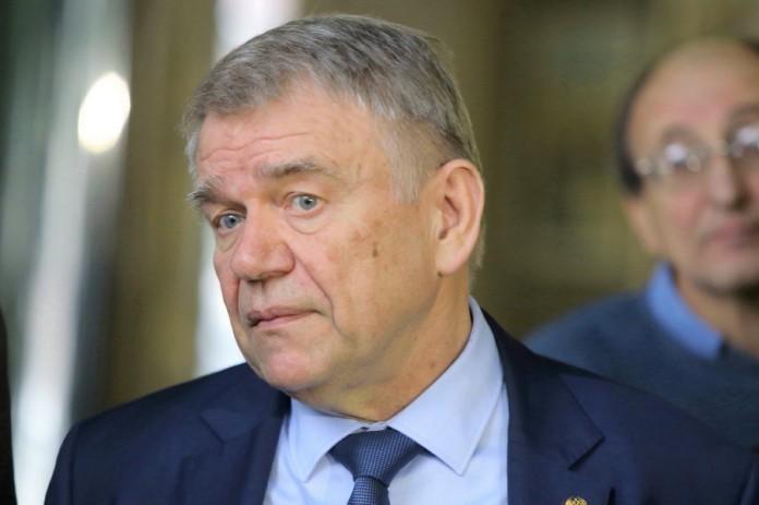 Миниатюра для: Валентин Пармон подтвердил передачу подстанции «Академическая-2» Новосибирской области