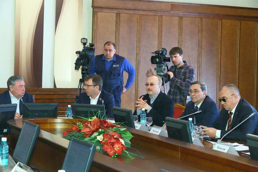 Первые 150 млн наледовую арену: Новосибирск готовится кМЧМ