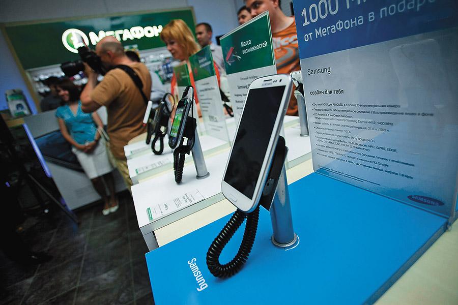 Продажи смартфонов падают, но в России нашли, чем их заменить - Фотография
