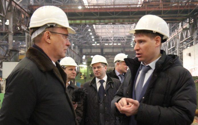 Миниатюра для: Генеральный директор КАМАЗа посетил ЭЛСИБ