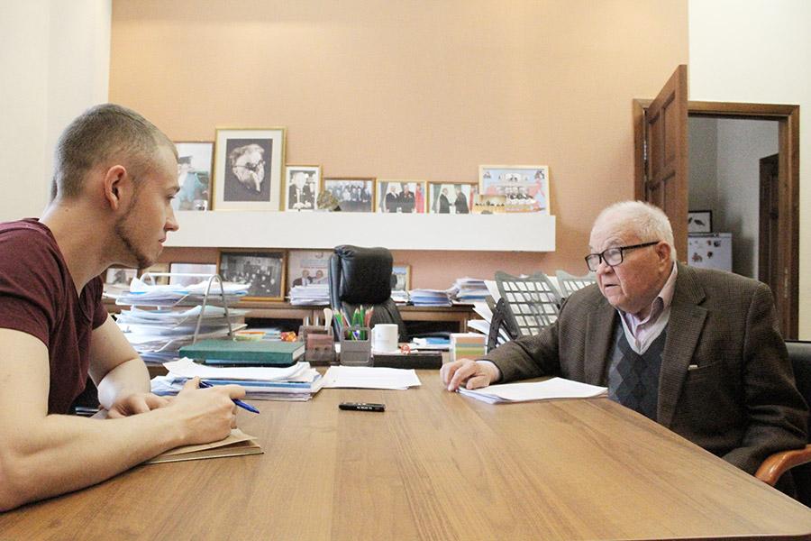 «Мы должны с помощью Путина ограничить законные функции ФАНО управлением хозяйственным и имущественным комплексом РАН» - Фотография