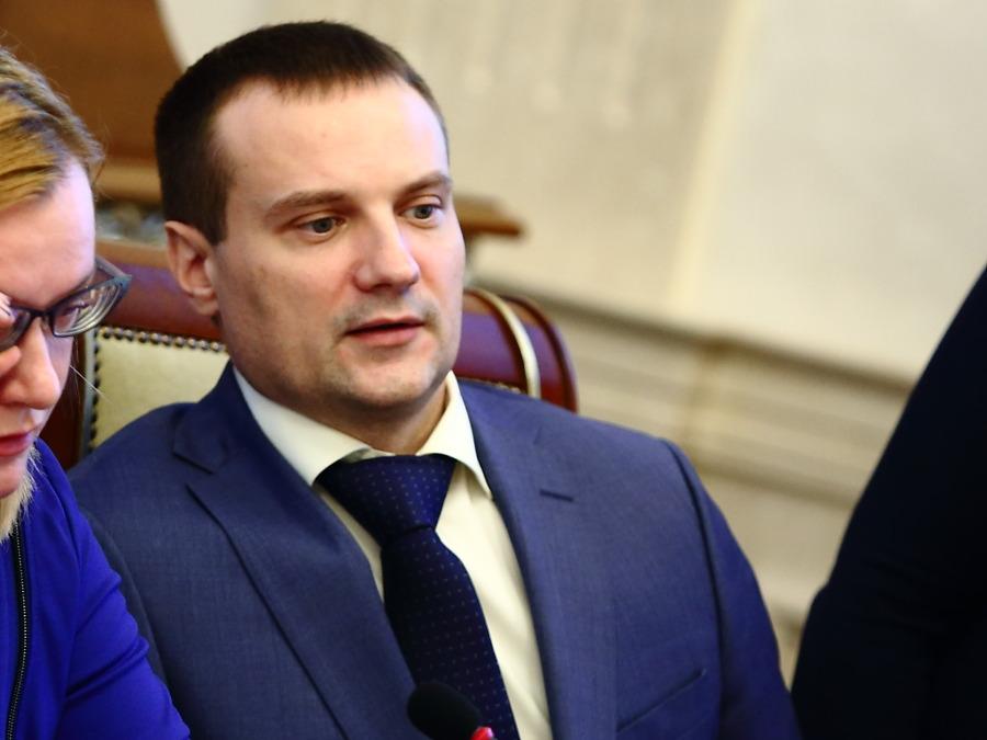 Новых управляющих 2-х министерств назначил Андрей Травников