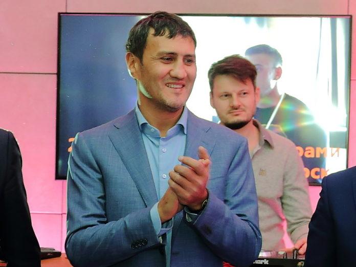 Миниатюра для: Основатель новосибирского универмага LUKSE планирует приобрести один из бывших салонов «МАКС Моторс»