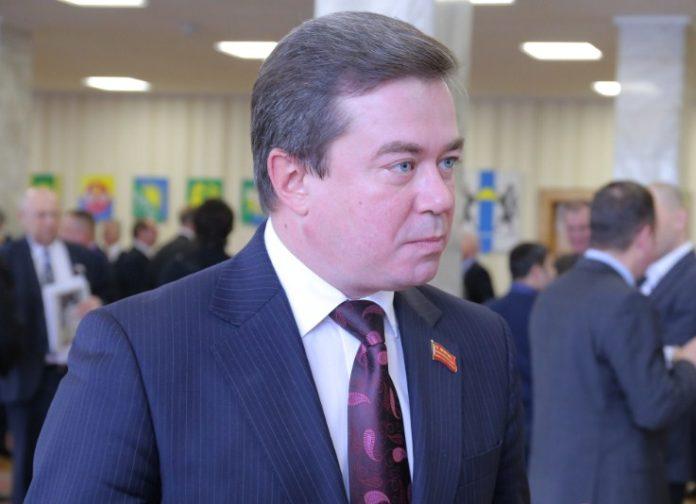"""""""Новосибирский Робин Гад"""".  Бил депутатов, бил следователей, бил судебных приставов."""