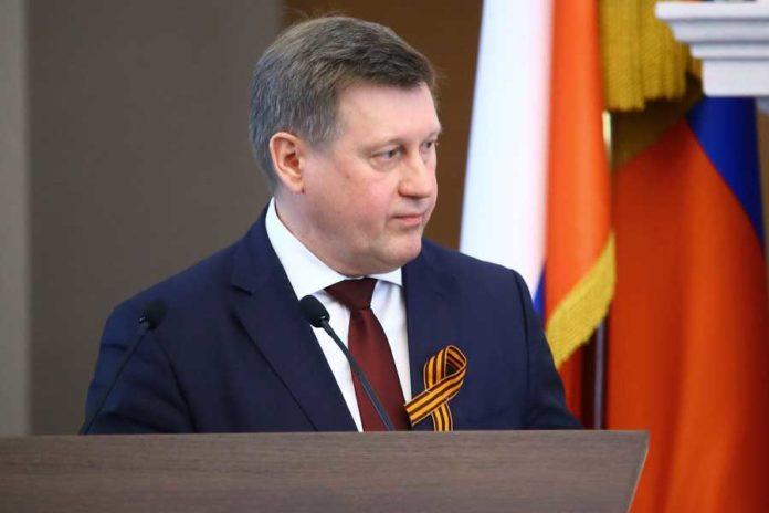 Мэр Новосибирска ищет деньги на ремонт дорожного покрытия