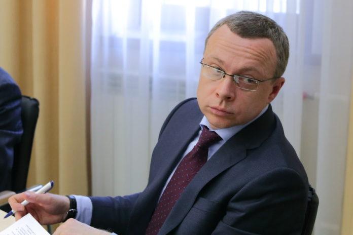 Андрей Травников досрочно лишил своего первого заместителя должности члена областного избиркома
