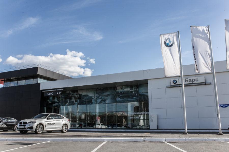 Дилерский центр Hyundai вошёл в состав группы компаний «БАРС» под руководством известного омского бизнесмена Виталия Ольшанского - Фото