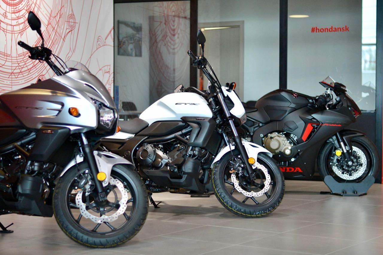 Honda проводит большой тест-райд новых мотоциклов в Новосибирске - Изображение