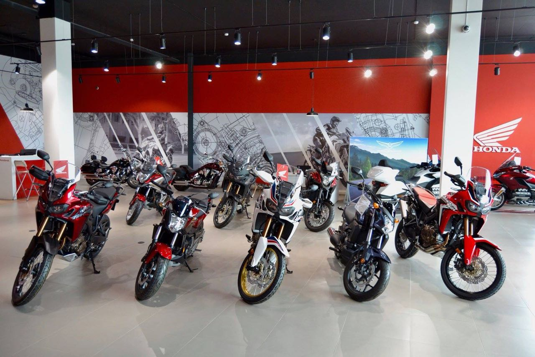 Honda проводит большой тест-райд новых мотоциклов в Новосибирске - Фото