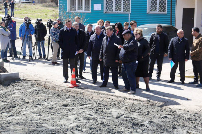 В Новосибирске приступили к ремонту придомовых территорий
