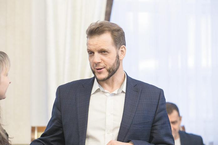 Миниатюра для: Удержится ли в своем кресле начальник ГЖИ НСО Евгений Пономарев?