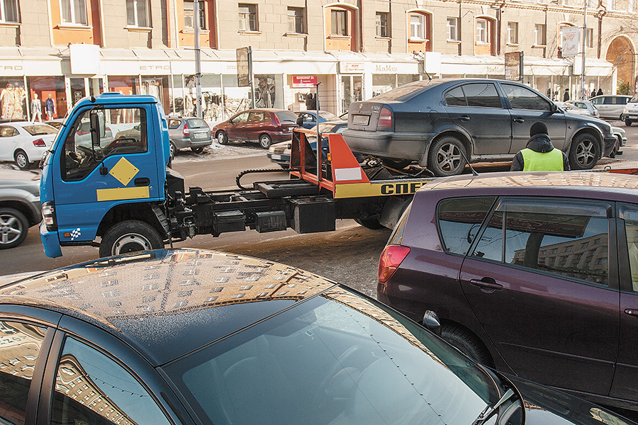 Бизнес в Новосибирске терпит убытки из-за отсутствия парковок