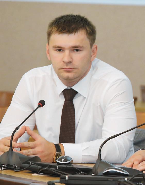 директор территориального офиса Росбанка в Новосибирске Денис Колов