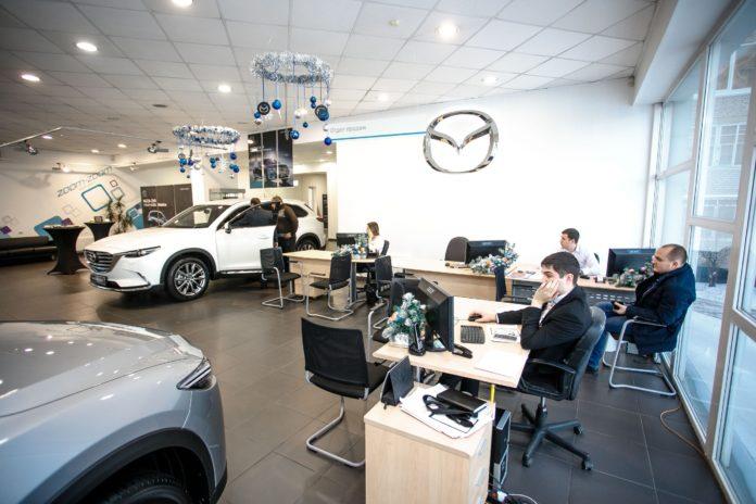 Миниатюра для: Mazda прекратила работу с компанией Александра Кангуна в Абакане