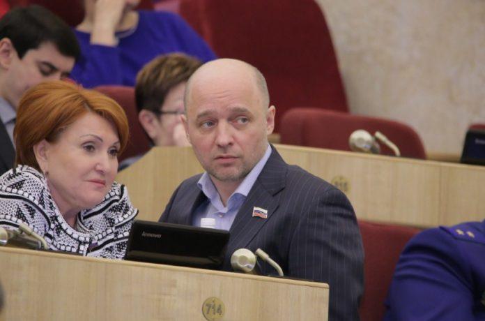 Миниатюра для: Глава новосибирского отделения «Справедливой России» пойдет на выборы губернатора региона, если его кандидатуру одобрят в Москве